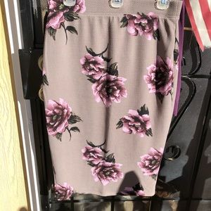 Pencil Skirt great colors-taupe w/lavender roses.
